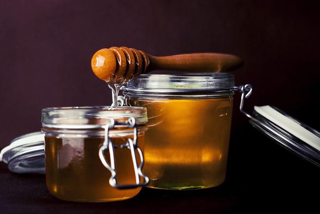 Hunaja: Terveysvaikutukset, terveys ja hyöty