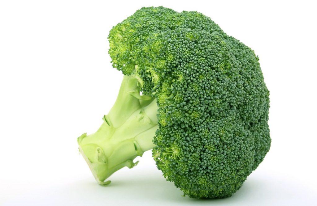 Ravintoarvot ja ravintosisältö sekä terveellisyys broccoli ja parsakaali